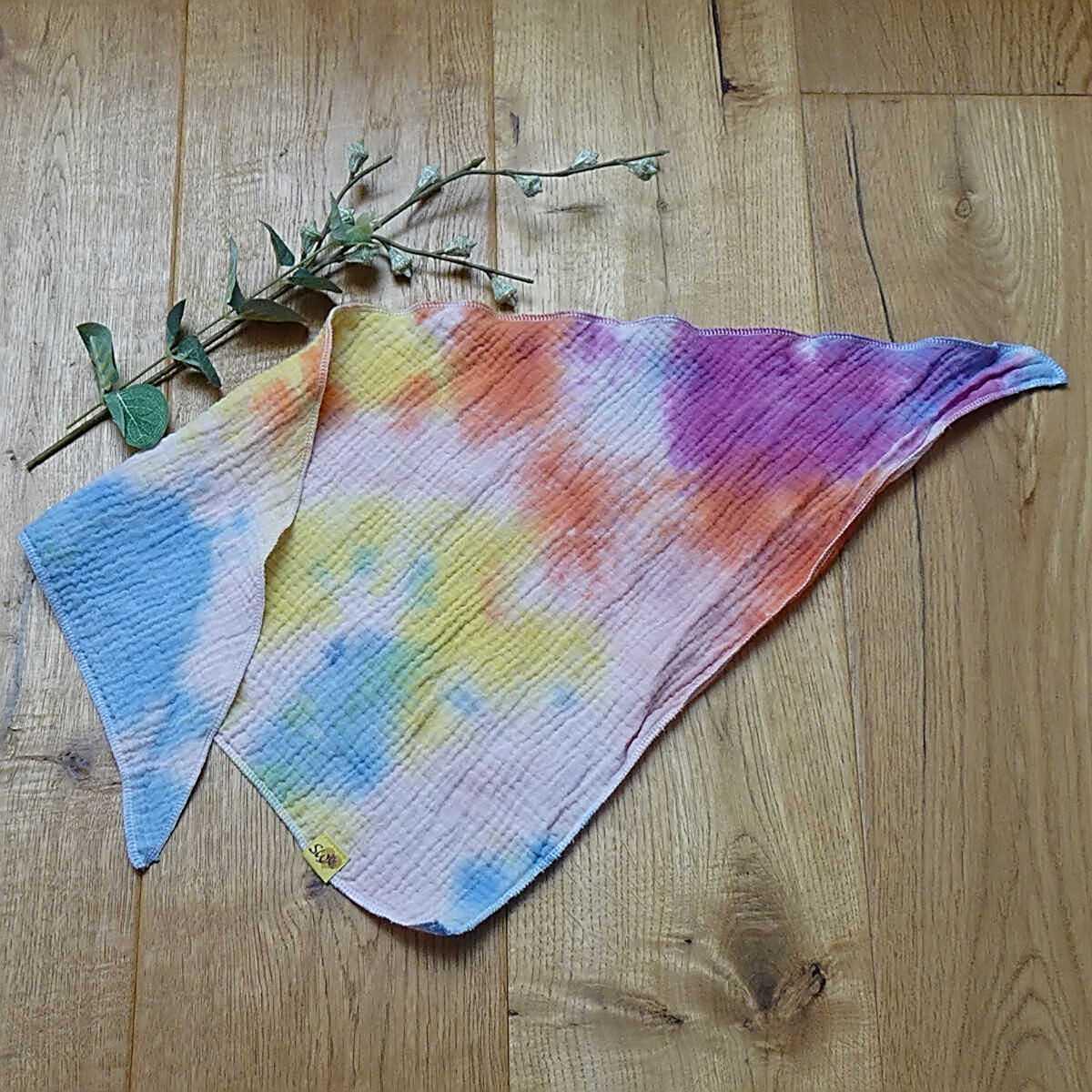 """weiches, kuscheliges Musselin-Halstuch zum Knoten mit Muster """"Batik hellblau, lila, orange, gelb"""""""
