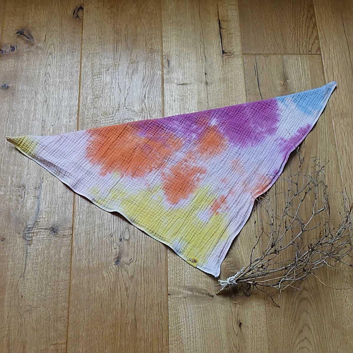 """weiches, kuscheliges Wende-Musselin-Halstuch zum Knoten mit Muster """"Batik hellblau, lila, orange, gelb"""""""